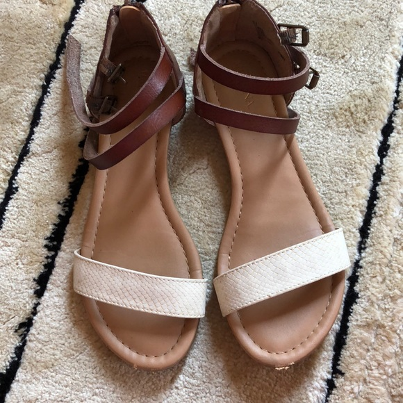 69a2478dcb354 Womens Summer Strappy Sandals size 6 1/2 Brown